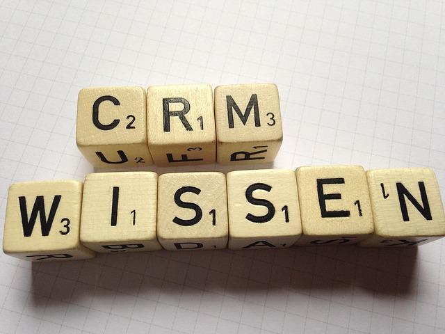 מדריך לעסקים: כל מה שצריך לדעת על הטמעת מערכת CRM